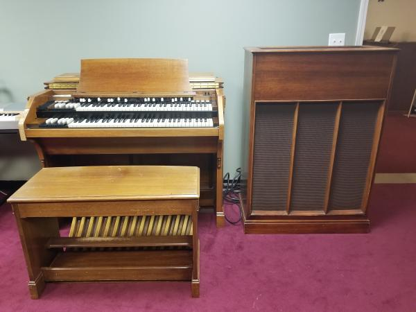 USED HAMMOND C-3 CHURCH ORGAN WITH TONE CABINET